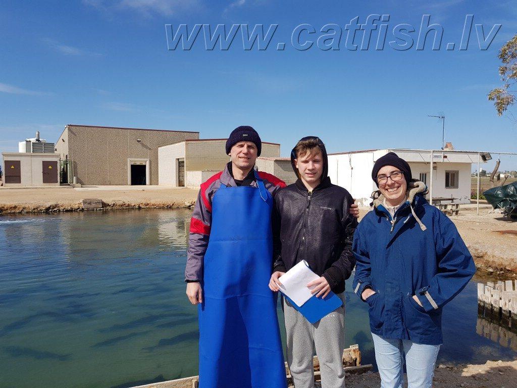 Василий и Виктор ведет учет на рыбной ферме